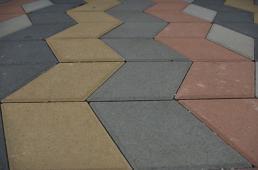 варианты укладки тротуарной плитки ромб